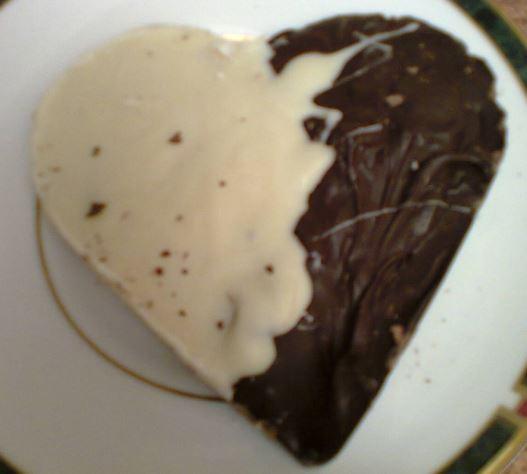 heart biscuit