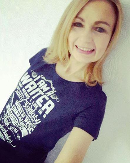 me writer tshirt